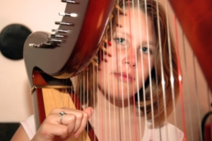 playing-harp-1563567-639x424