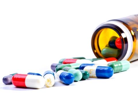 pill-bottle-spilling